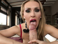 Rocco Siffredi uses his beefy meat stick to bring blowjob addict