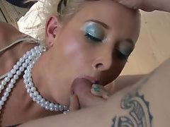 Vivacious lady gets her pussy smashed from behind